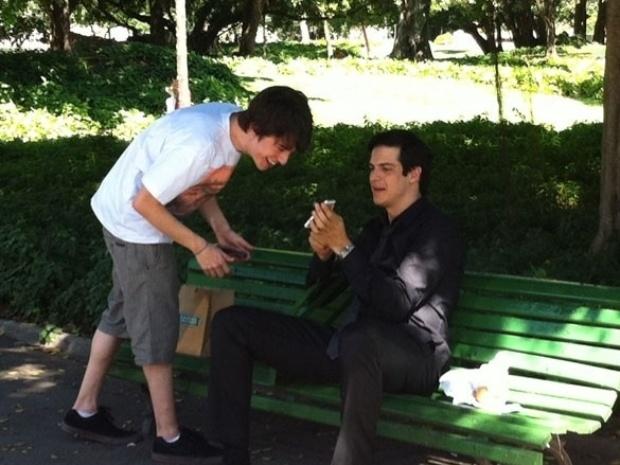 """Do vilão ao mocinho; relembre as diversas fases de Félix em """"Amor à Vida"""""""