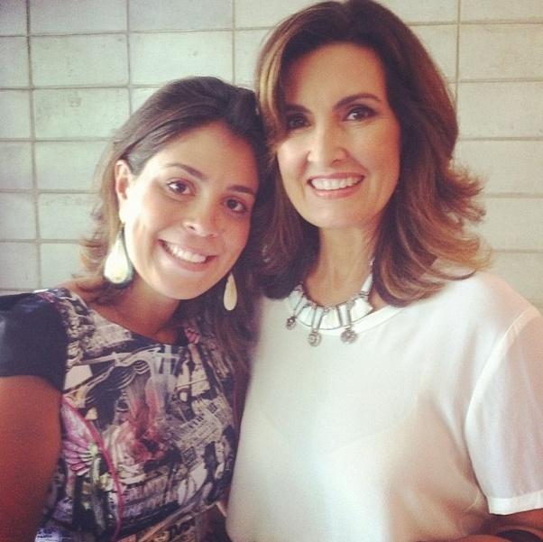 jan.2014 - Bella posta foto ao lado de Fátima Bernardes