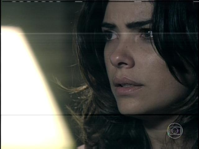 29.jan.2013 - Aline fica chocada ao rever Ninho