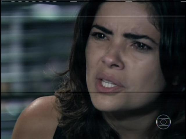 30.jan.2014 - Aline insiste em dizer que foi seduzida por Ninho