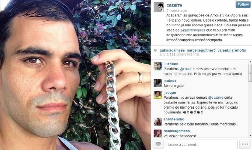 """30.jan.2014 - Juliano Cazarré muda o visual após o fim das gravações de """"Amor à Vida""""."""