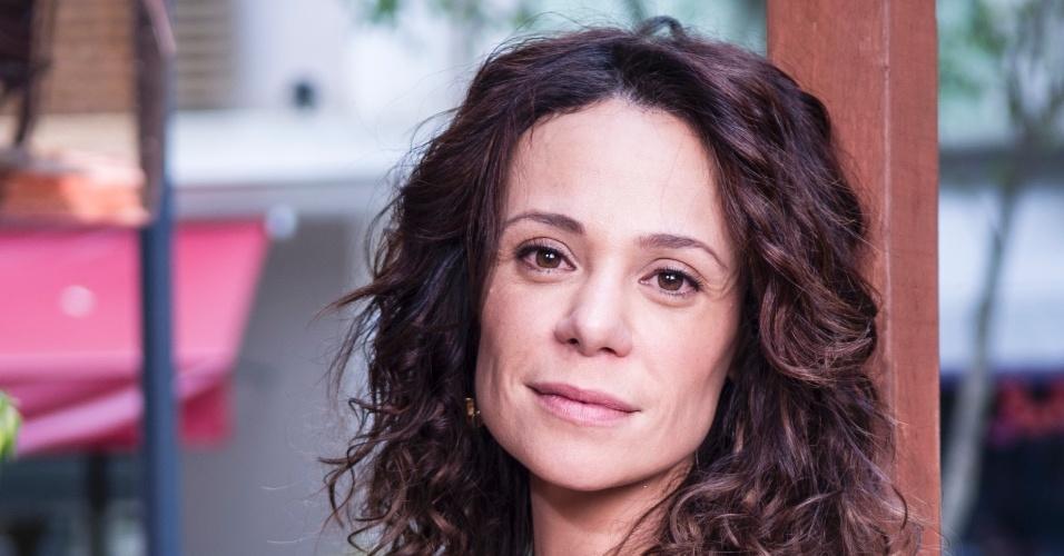 "Vanessa Gerbelli interpreta Juliana em ""Em Família"""