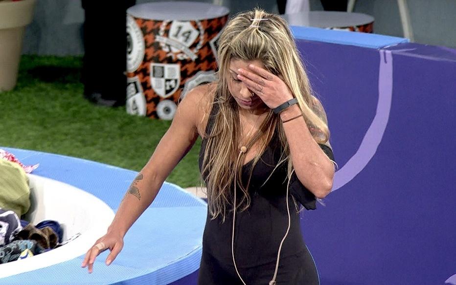 30.jan.2014 - Eliminada, Vanessa deixa a disputa pela liderança