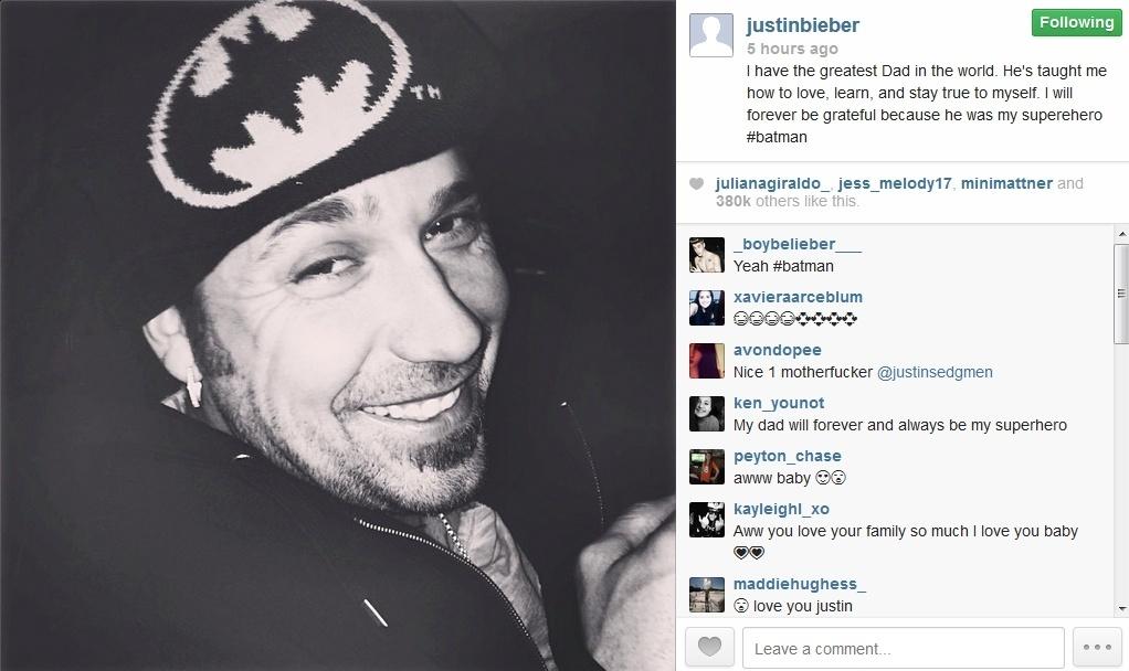 30.jan.2014 - Justin Bieber publica foto do pai e agradece o apoio da família