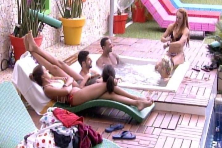 31.jan.2014 -  Brothers conversam sobre sexo e Cássio revela que já ficou com três mulheres ao mesmo tempo