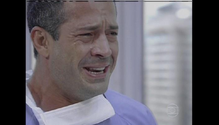 Bruno se emociona com nascimento do filho