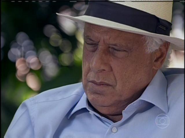 César vai a renovação de votos de Paloma e Bruno