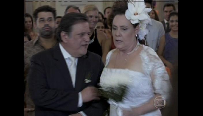 Márcia se casa com Gentil