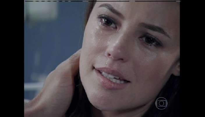 Paloma se emociona com nascimento do filho, Bernardo