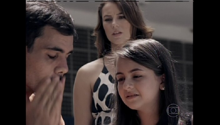 Paulinha chora ao ver Ninho