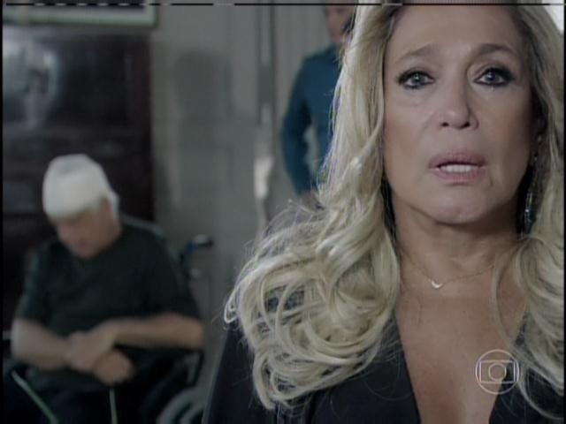 Pilar chora e confessa ter sido responsável pelo acidente da mãe de Aline