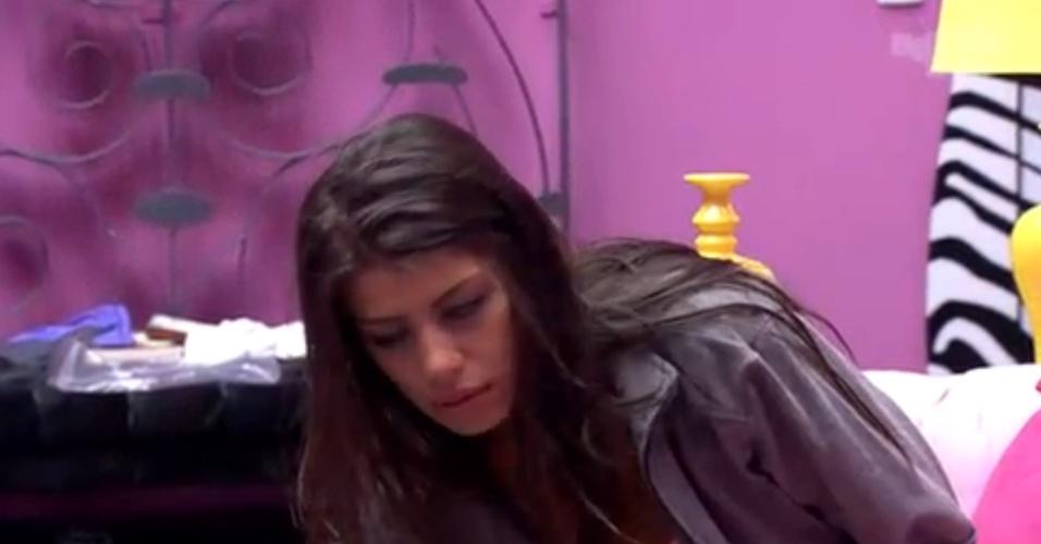02.fev.2014 - Sem se falar, Vanessa e Franciele trocam algumas palavras