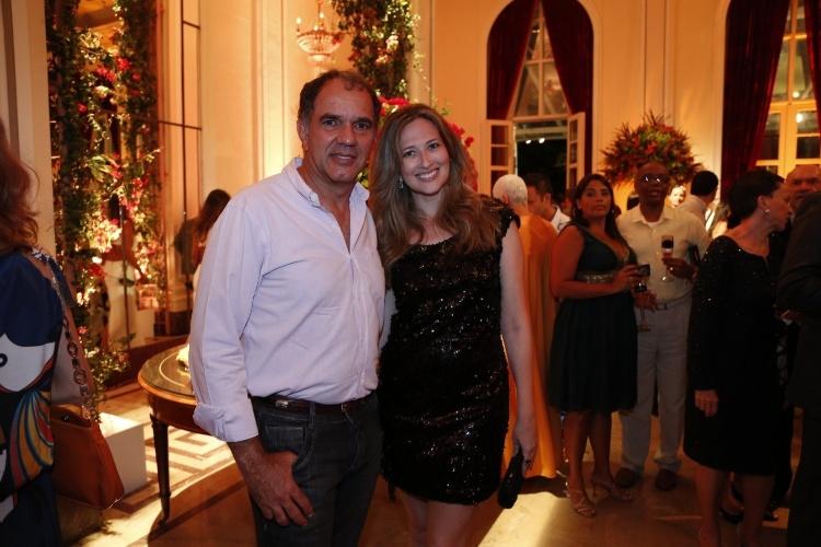 """2.fev.2014 - Humberto Martins e a namorada Marcia Delanillo na festa da novela """"Em Família"""""""
