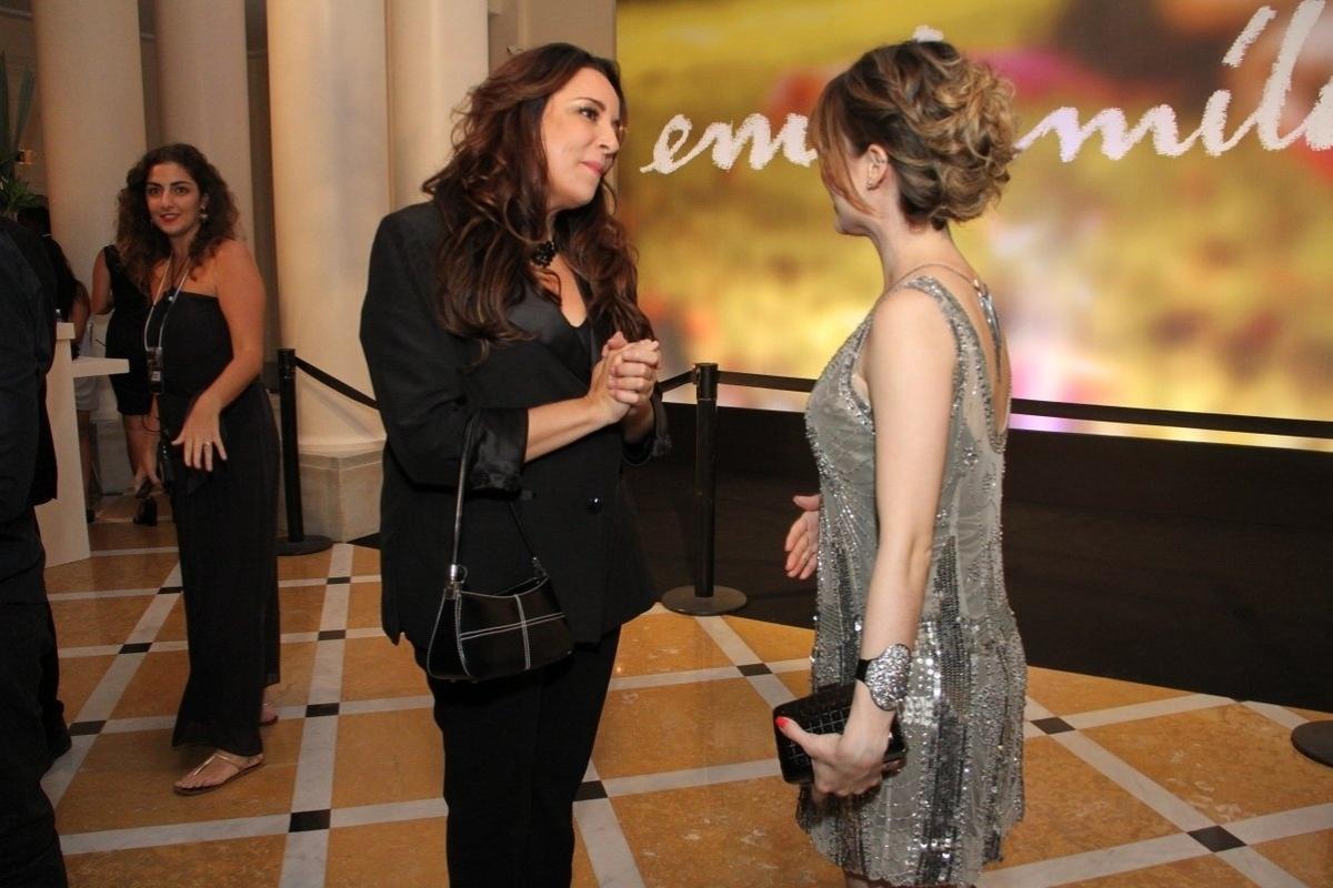 2.fev.2014 - Sandy e Ana Carolina na festa da novela