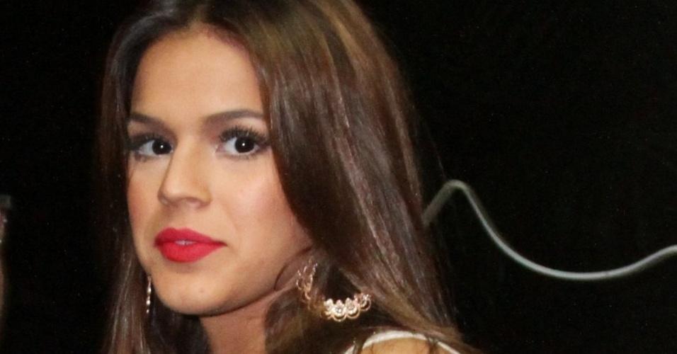 """03.fev.2014- Bruna Marquezine confere estreia de """"Em Família"""" no Rio"""