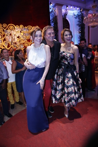 2.fev.2014 - Júlia Lemmertz, Fábio Junior e Bruna Marquezine na festa da novela