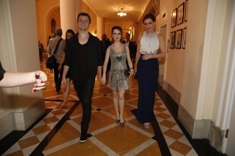 """2.fev.2014 -  Lucas Lima, Sandy e Julia Lemmertz na festa da novela """"Em Família"""""""