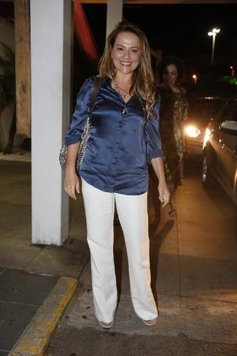 03.fev.2014- Viviane Pasmanter, que interpreta a Shirley na terceira fase, também foi conferir a novela com o elenco