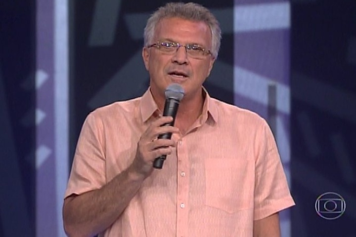04.fev.2010 - Pedro Bial inicia a edição do programa, que irá eliminar o sétimo participante
