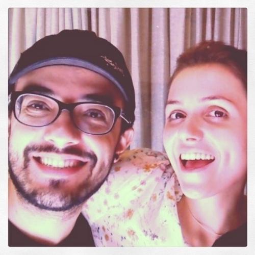"""3.fev.2014 - Alisson Gomes, segundo eliminado do """"BBB14"""", postou foto com Monica Iozzi, comentarista do reality show. """"Adorei te conhecer"""", escreveu o ex-BBB"""