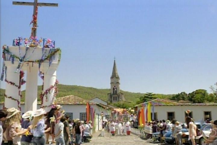 3.fev.2014 - Festa na fictícia cidade Esperança, que fica no interior de Goiás