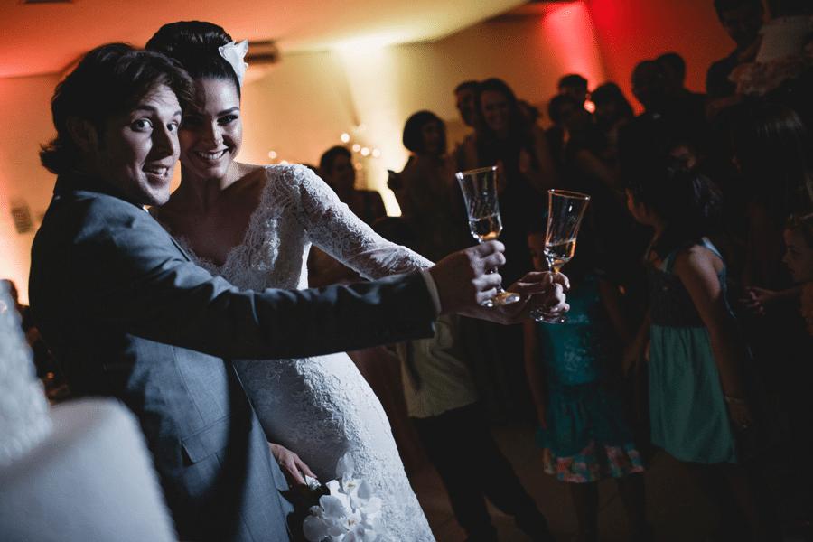 Fernanda Machado e Robert Riskin casaram-se em Maringá, cidade natal da atriz