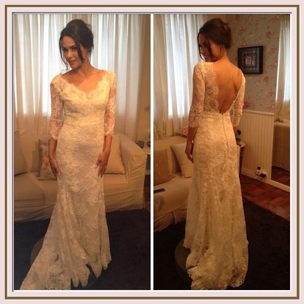 O vestido usado pela atriz foi assinado por Lethicia Bronstein