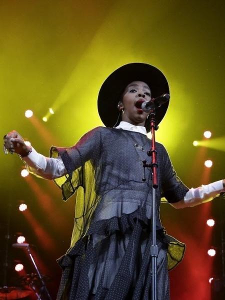A cantora Lauryn Hill faz show em Nova York, em 2014 - EFE - 05.fev.2014