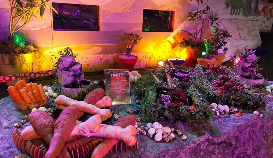 05.fev.2014 - Decoração da festa Idade da Pedra
