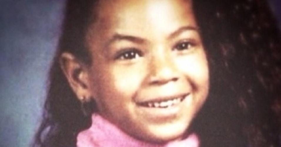 06.fev.2014 - Beyoncé divulgou, em sua conta no Instagram, foto de quando era criança. A imagem é de 1990, quando a cantora tinha 9 anos