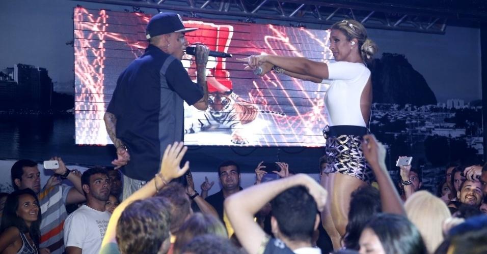 6.fev.2014 - Valesca Popozuda se apresentou na Boate Praia na Lagoa na noite desta quarta-feira (5). Funkeira cantou seu mais recente sucesso,