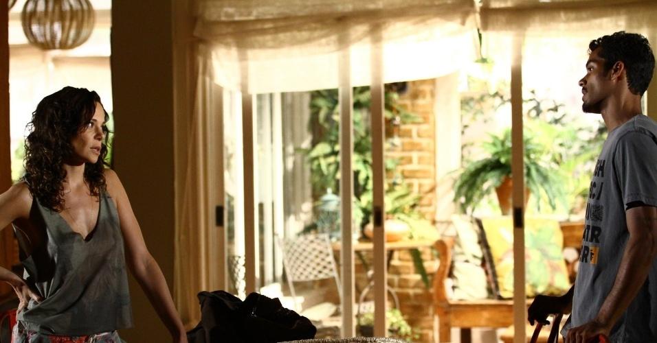 """6.fev.2014 - Vanessa Gerbelli e Marcello Melo Jr. gravam cena de """"Em Família"""". Na trama, eles interpretam os personagens Juliana e Jairo, respectivamente"""
