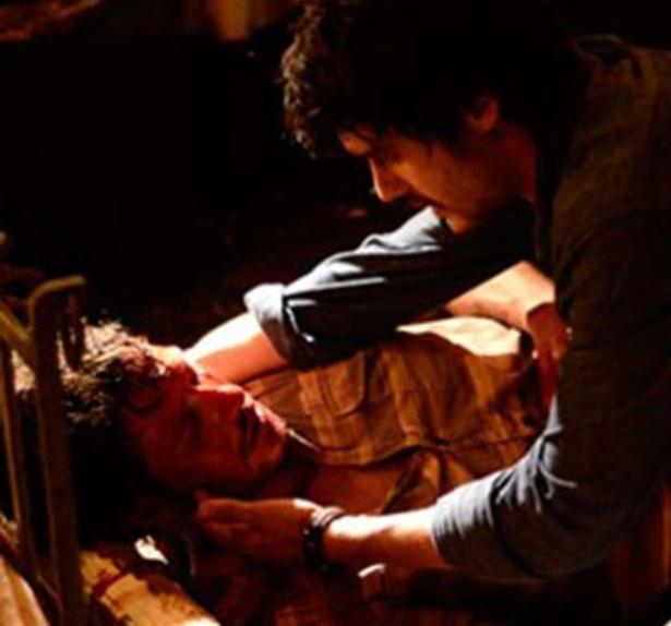 """""""Em Família"""", Laerte atinge Virgílio com uma espora"""