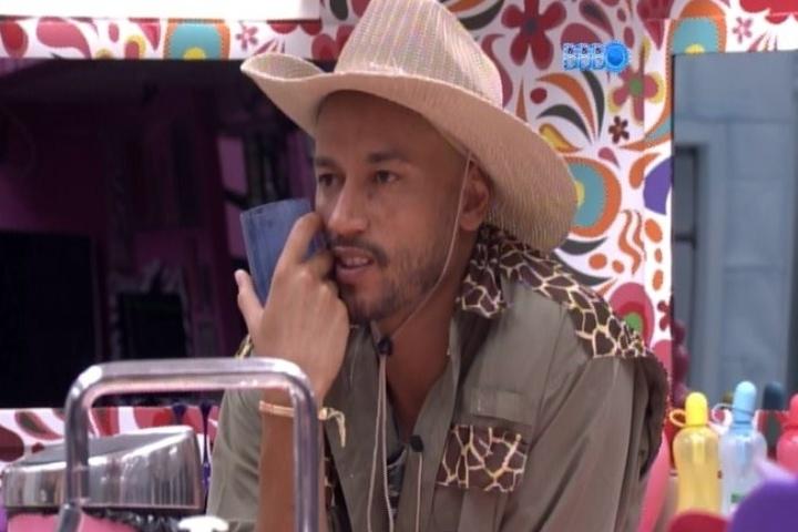 07.fev.2014 - Slim diz que quer Letícia no paredão para ter uma resposta do público