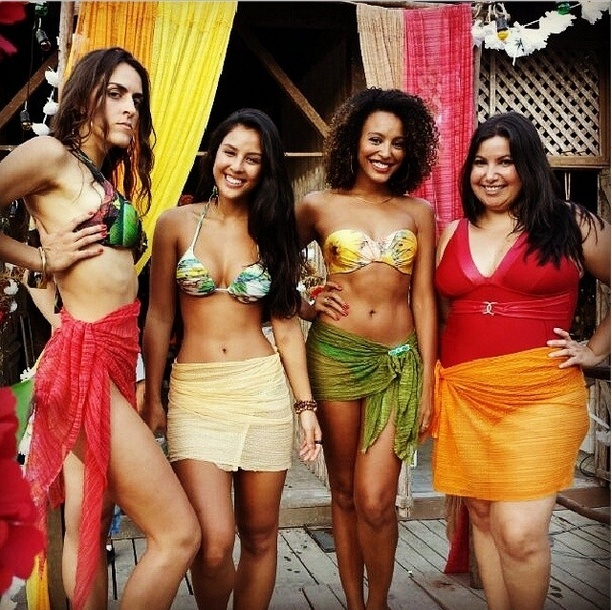 Luciana Paes , Yanna Lavigne, Sheron Menezzes e Mariana Xavier posam nos bastidores do concurso