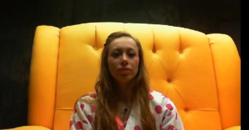 8.fev.2014 - No raio-x, Aline pede ajuda do público no paredão