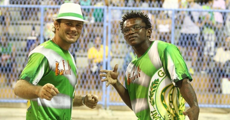 8.fev.2014 - Os atores Rodrigo Serrano e Maranhão durante o ensaio técnico da escola de samba Império da Tijuca, na noite deste sábado (8), na Praça da Apoteose, no Rio de Janeiro