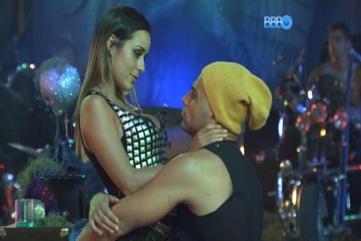 09.fev.2014 - Junior e Letícia discutem após a mineira sugerir que ele não presta