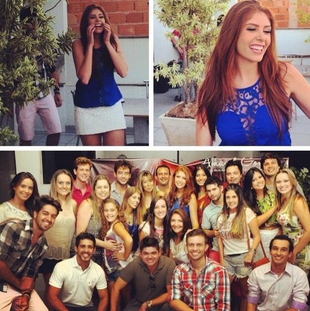 10.fev.2014 - Amanda publica foto ao lado de amigos