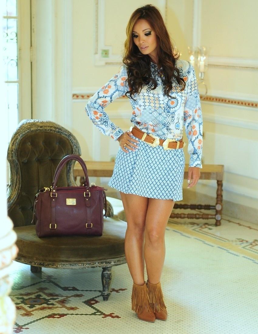 10.fev.2014 - Carol Nakamura fez ensaio para um catálogo de roupas no Palácio dos Cedros, em São Paulo
