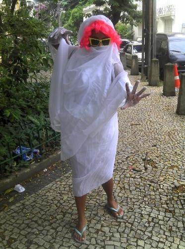 Maíra Freitas fantasiada de 'noiva do Wando'