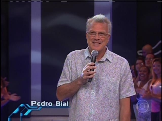 11.fev.2014 - Pedro Bial inicia o programa