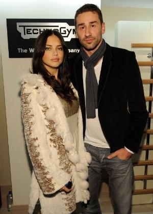 Adriana Lima e Marko Jaric resolveram se separar após cinco anos de casamento. Eles têm duas filhas