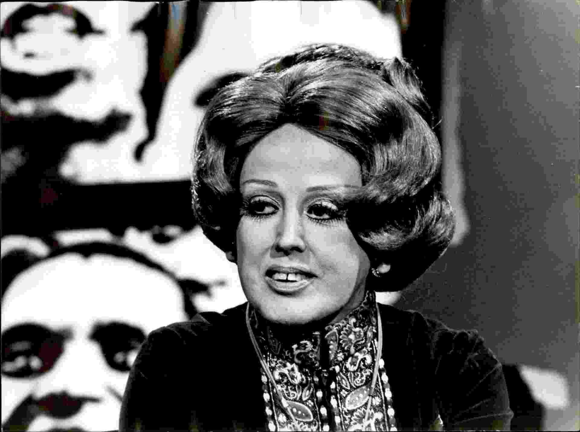 """1978: A atriz e vedete do teatro de Revista, Virgínia Lane., participou de 37 filmes, e chegou a montar sua própria companhia para levar o teatro de Revista em todo o Brasil. Entre os trabalhos, um dos mais marcantes foi """"Anjo no Lôdo"""", onde protagonizou o que foi considerado o primeiro nu não frontal do cinema brasileiro - Divulgação"""