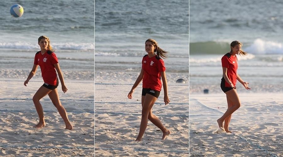 12.fev.2013 - Sasha, filha de Xuxa, treinou vôlei na praia da Barra da Tijuca, zona oeste do Rio