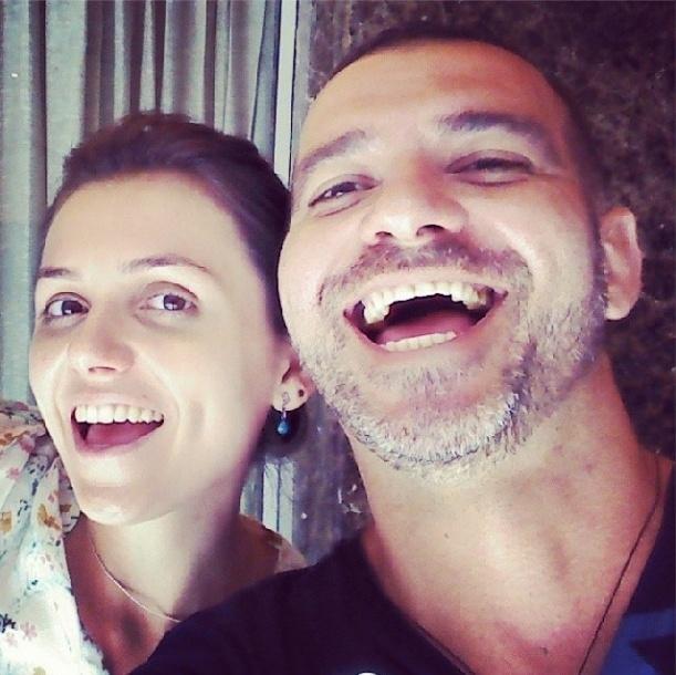 12.fev.2014 - Sorridente, Vagner posta foto ao lado da repórter Monica Iozzi