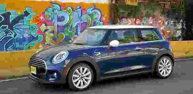 Novo Mini Cooper está maior, mais espaçoso, largo... e em breve também flexível - Divulgação