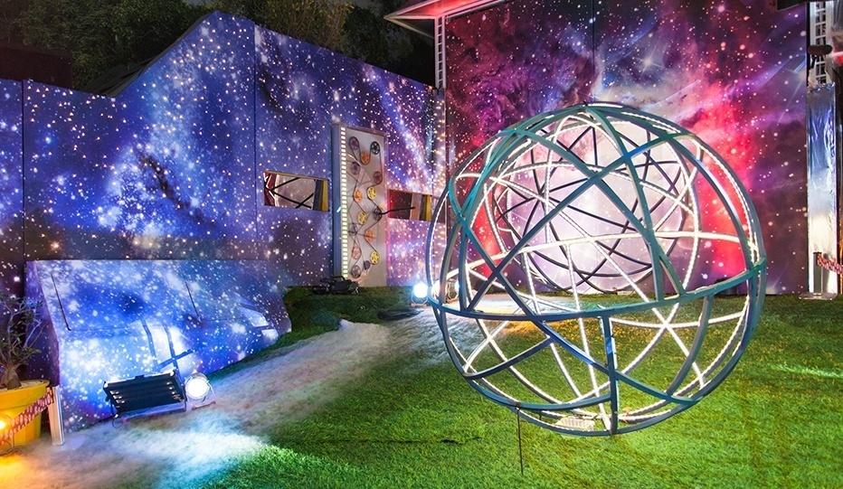 12.fev.2014 -  Decoração da Festa Planetária