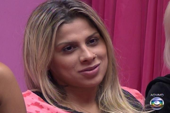 """13,fev.2014 - Com o poder do """"não"""" em mãos, Cássio vetou Aline e Vanessa da prova do líder"""