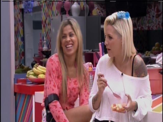 """13.fev.2014 - """"Fechado ele é até bonito"""", diz Vanessa sobre Cássio."""